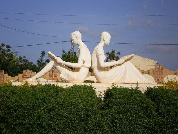 statueecoliers.jpg