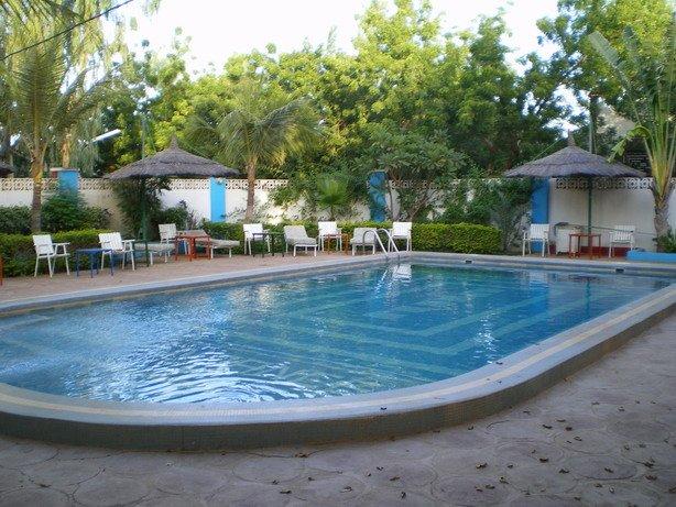 piscinehotel.jpg